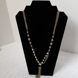Vintage Gold color and pearls necklace
